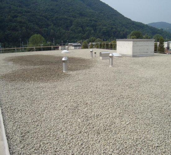 Bless Gebäudehüllen: Referenz Sarnafildach Tessin