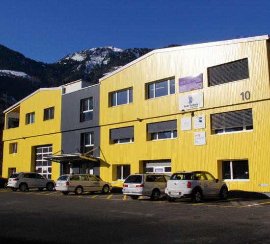 Sata (6): Dacheindeckung mit Sandwichplatten & Bless-Flachdach