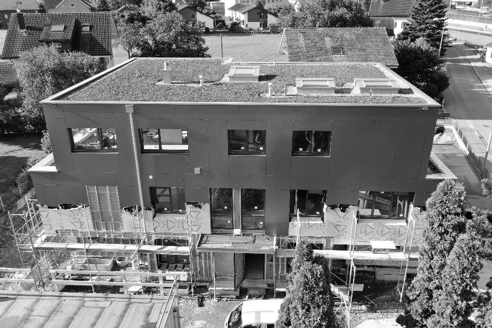 Verbundplatten-Fassade geklebt